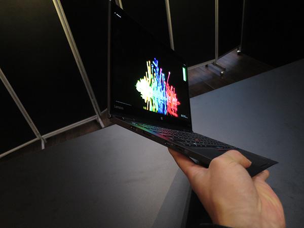 X1 Yoga 有機EL液晶の一般販売が始まったら購入を検討するかも・・・